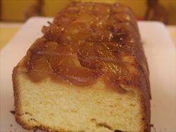 キャラメル洋梨ケーキ