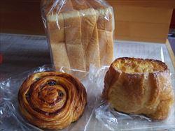 久々に進々堂のパン。